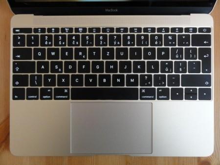 MacBook 7 450x338 - Apple zaříznul 12palcový MacBook. Tedy alespoň prozatím