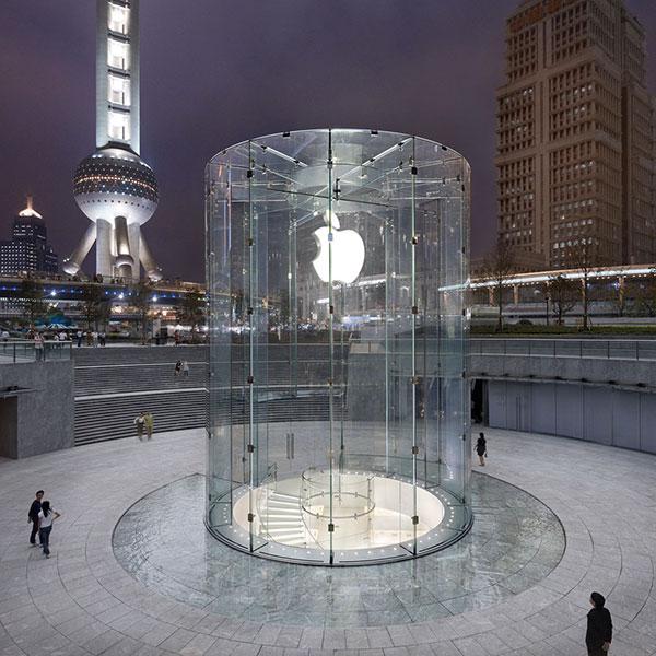 Apple Store Pudong Shanghai 1OK - Donald Trump chce přinutit Apple, aby své produkty vyráběl na území USA
