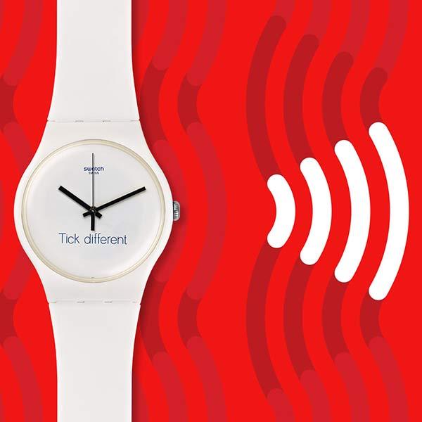 """2016 Bellamy 2008 1130 ENOK - Apple žaluje švýcarského výrobce hodinek Swatch, nelíbí se mu slogan """"Tick different"""""""