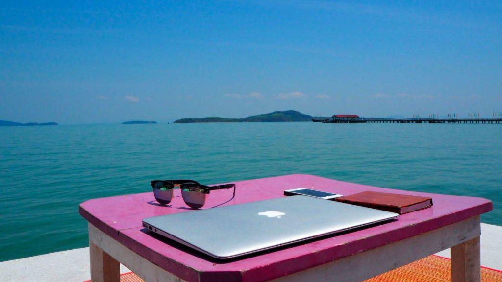 Digitální nomádství