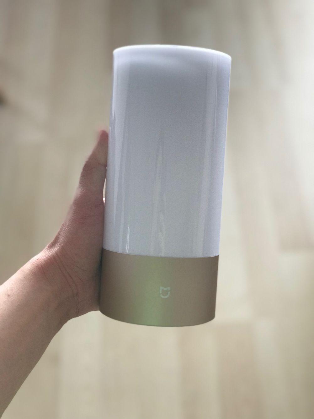 IMG 0980 - Chytrou stolní lampu Yeelight využijete jak v pracovně, tak v ložnici