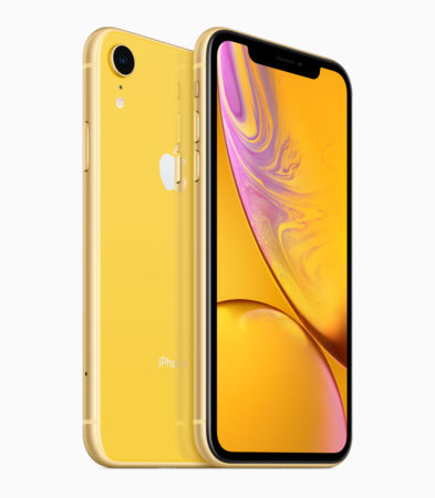 iPhone XR yellow back 09122018 393x450 - iPhone XR je nejprodávanější v USA. Jako fakt?