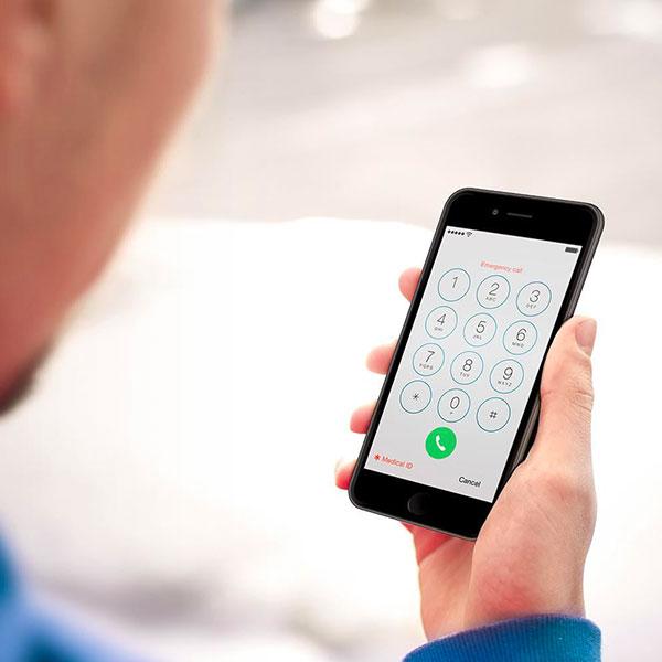 falešné telefonáty iPhone