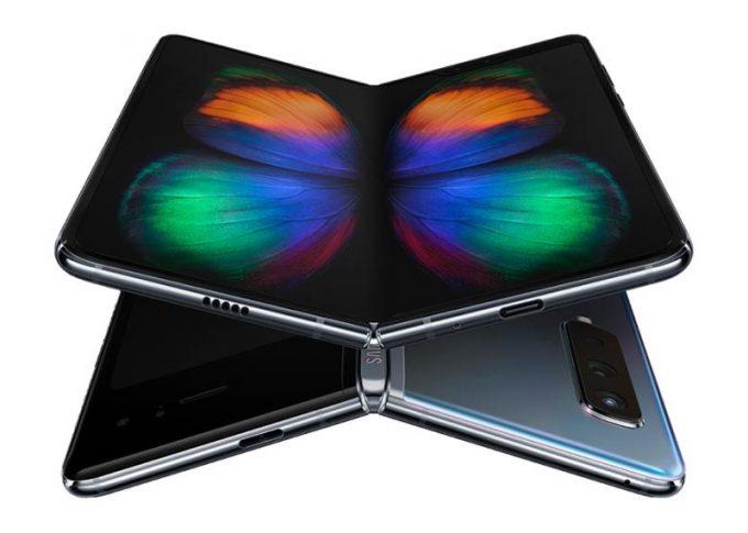 Samsugn Galaxy Fold s ohebným displejem