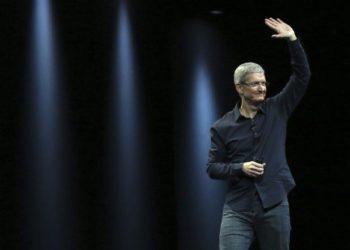 Apple Watch Series 5 Tim Cook