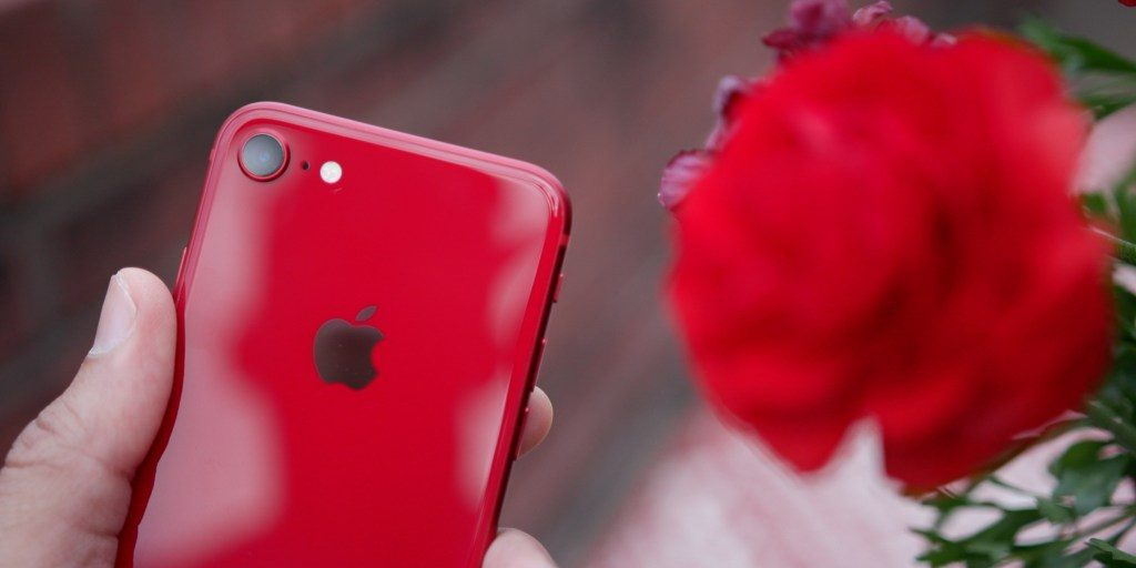 iPhone SE 2 RED