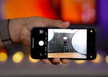Přední kamera iPhonu 11