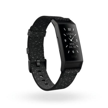 Fitbit Charge 4 Render 3QTR SE Granite Black Clock Default Shadowok 450x450 - Fitbit představuje Fitbit Charge 4 – nejpokročilejší chytrý náramek značky